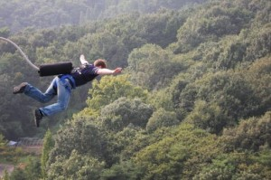 descriptive essay bungee jumping Equestrian show jumping bungee jumping essay bungee jumping bungee jumping is a sport that has dramatically evolved over the past couple decades.